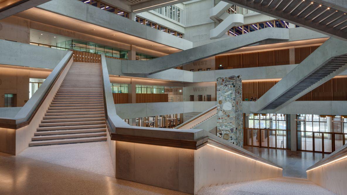 Reflexion fhnw campus muttenz for Fachhochschule architektur